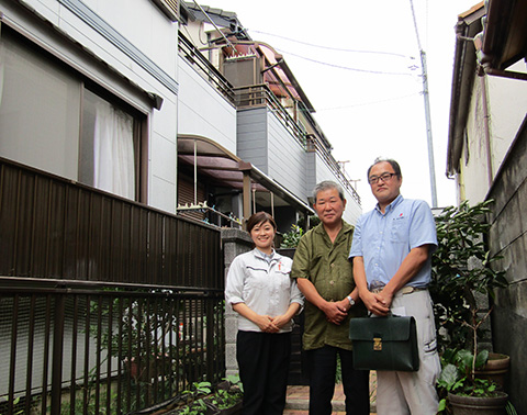 愛知県名古屋市Y様_外壁塗替工事_お客様の声_記念撮影