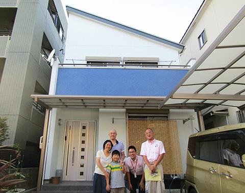 愛知県名古屋市H様_外壁屋根塗替工事_お客様の声_記念撮影