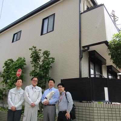愛知県名古屋市S様_外壁塗替工事_お客様の声_記念撮影