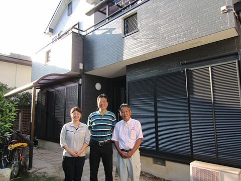 愛知県春日井市N様_外壁屋根リフォーム_お客様の声_記念撮影2_株式会社麻布