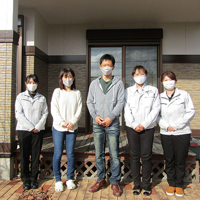 愛知県春日井市F様_外壁塗装工事_お客様の声_記念撮影